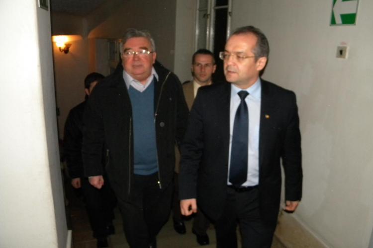 Emil Boc a ajuns la Prefectura Cluj si se va intalni cu alesii PDL! Nu a vrut sa spuna nimic despre cazul Apostu