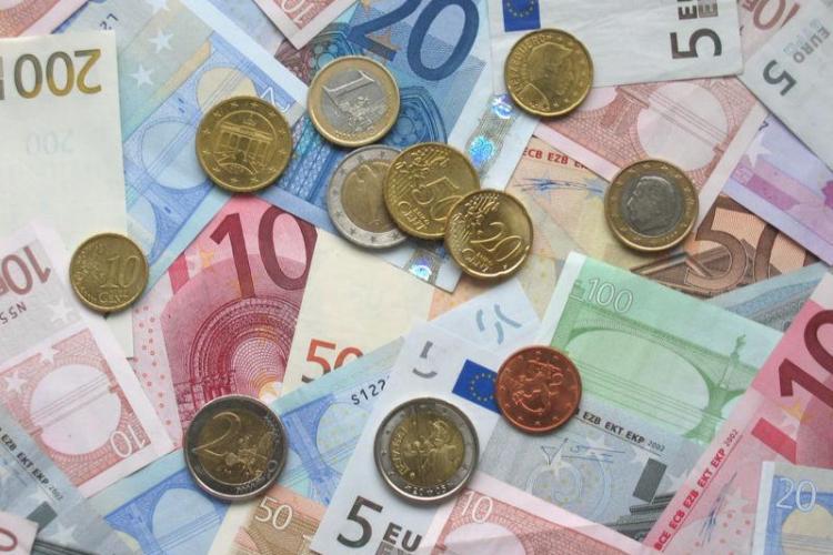 Euro, la cel mai ridicat nivel din ultimul an si jumatate
