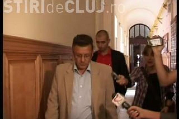 """Calin Platon descrie arestul de la IPJ Cluj: """"Este ca in evul mediu"""""""