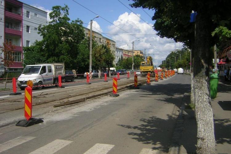 Lucrarile la linia de tramvai pe tronsonul strada Bucium - Calvaria sunt in intarziere! Soferii sa-si puna pofta in cui
