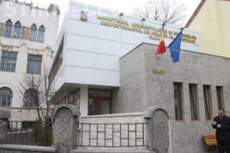 Mircia Giurgiu cere modernizarea arestului IPJ Cluj. Politistii sustin ca cei arestati nu au toaleta si celulele nu au geamuri