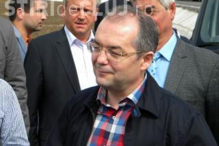 "Premierul Emil Boc demisioneaza, daca economia ""deraiaza"" in 2012"