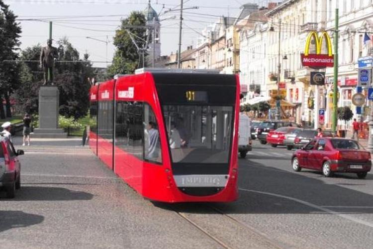 Astra Vagoane Arad se lupta cu doua firme din Franta si Polonia pentru a aduce tramvaie la Cluj! VEZI cum arata garniturile