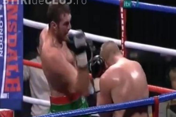 Cum si-a dat un boxer singur un uppercut si s-a facut KO VIDEO