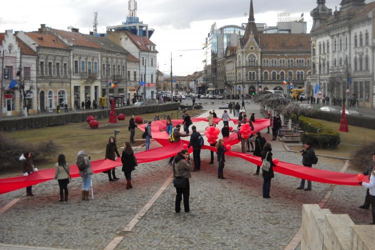 Fundita umana in Piata Mihai Viteazul pentru o campanie anti HIV/SIDA FOTO si VIDEO