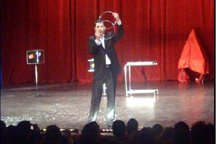 """Dan Bucfing magie spectaculoasa la show -ul caritabil """"Nepoti de Craciun"""" VIDEO"""