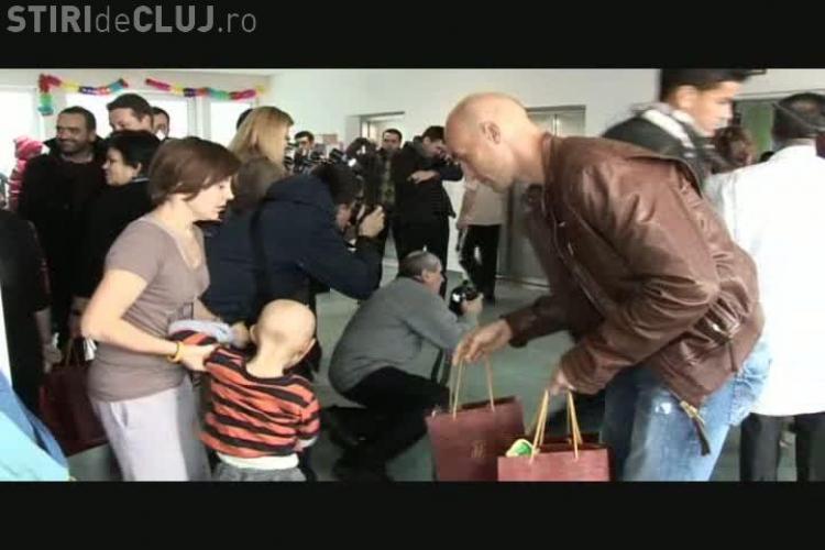 Gest frumos! CFR Cluj a facut cadouri copiilor cu cancer VIDEO