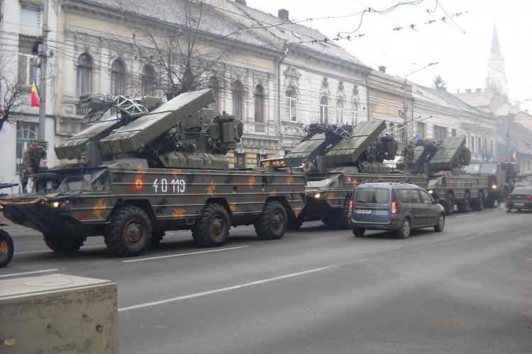 Parada militara la Cluj! In premiera, pentru ultimii 21 de ani, TAB -uri si masini de lupta au fost scoase pe strazi FOTO si VIDEO
