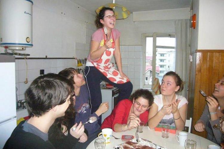 Galerie FOTO cu Iulia Plaian din timpul liceului. Vezi fotografii care infirma faptul ca ar fi fost depresiva
