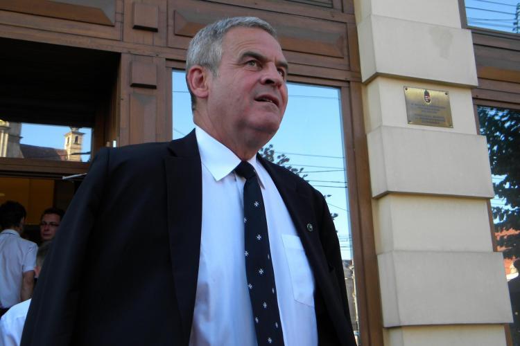 Un partid cere CNSAS sa verifice daca Laszlo Tokes a colaborat cu Securitatea