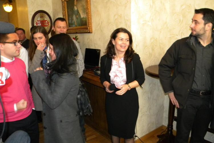 Satena din PSD Cluj, Aurelia Cristea, si-a lansat blog! Ce spune despre asemanarea cu Elena Udrea VIDEO