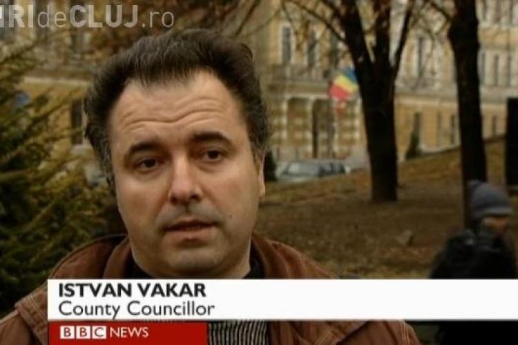 Consilierul judetean UDMR Cluj, Istvan Vakar, a vorbit in maghiara intr-un reportaj BBC despre Nokia VIDEO