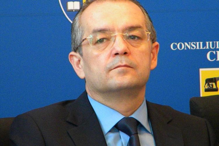 """Emil Boc, """"number one"""", in dosarul lui Calin Stoia: """"Sunt oameni care pentru 100.000 de euro nu se dau jos din pat"""" INTERCEPTARI"""