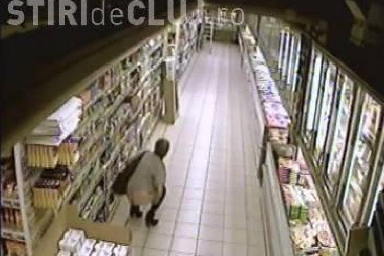 Incredibil! Si-a facut nevoile intr-un supermarket | VIDEO