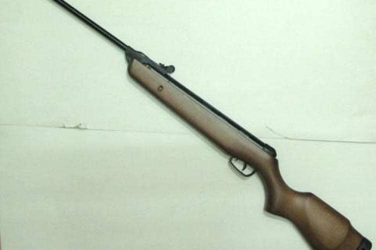 Un barbat din Gherla detinea o arma fara permis