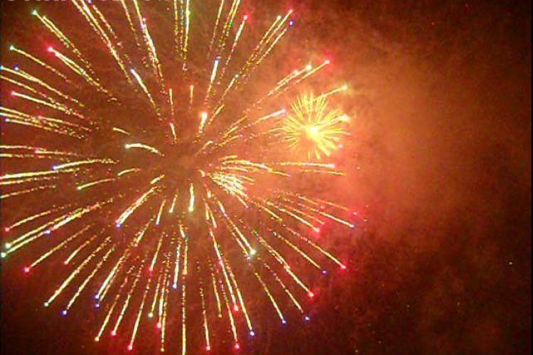 Stiri de Cluj va ureaza LA MULTI ANI ! Vezi FOTO si VIDEO cu artificiile din centrul orasului