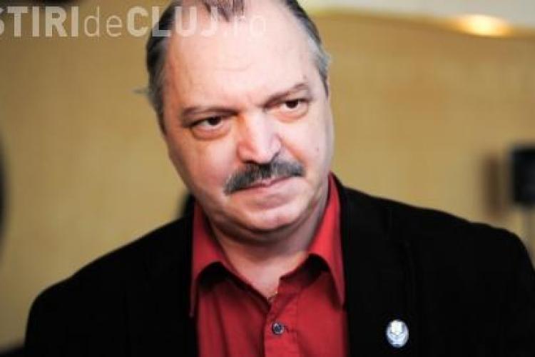 Colindele, Ateneul si statuia lui Eminescu, interzise in reclame, propune deputatul Victor Socaciu