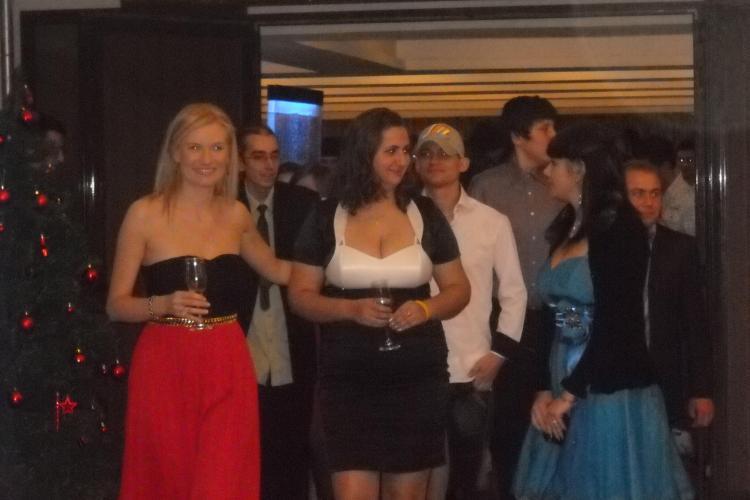 Tinerii care au invins cancerul au petrecut in aceasta seara la Gala de Craciun Temerarii FOTO