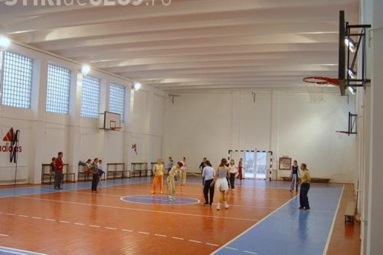 Sala de sport pentru liceele din centrul orasului