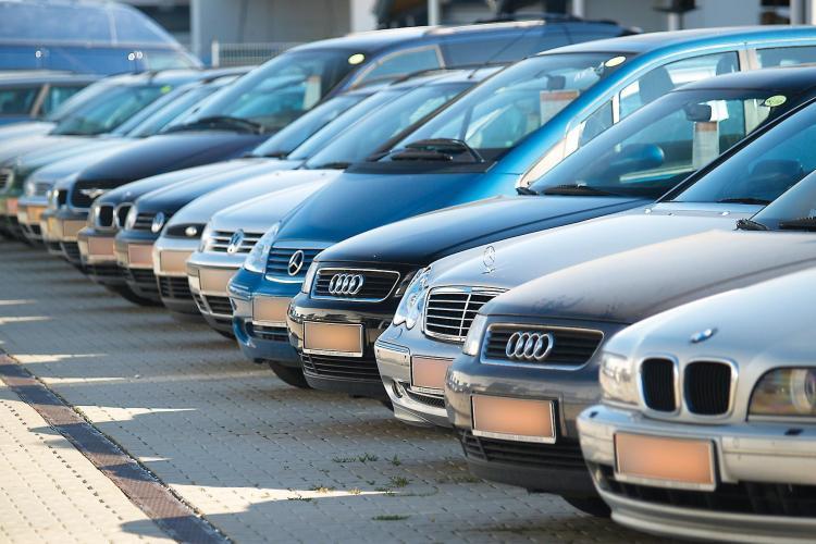 Calculator pentru taxa auto 2012! AICI poti vedea cati bani trebuie sa ceri de la stat