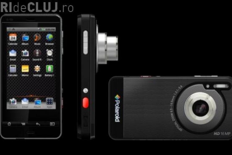 Polaroid a lansat la CES 2012 aparatul foto-smartphone cu camera de 16 megapixeli Galerie FOTO