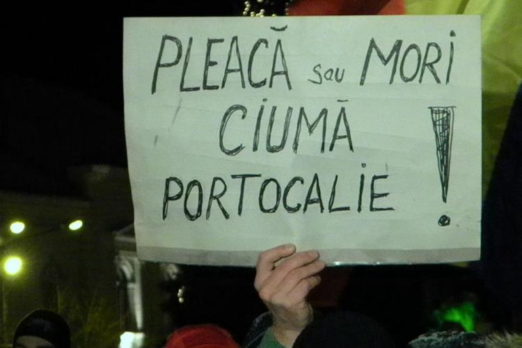 Clujenii ies in strada de la ora 18.00, in Piata Unirii! Opozitia va pleca, daca se striga impotriva USL