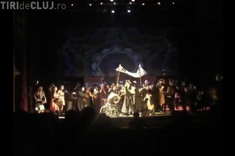 """Artistii de la Opera Romana din Cluj au imbracat uniforme SMURD la spectacolul """"Nabucco 12"""" VIDEO"""