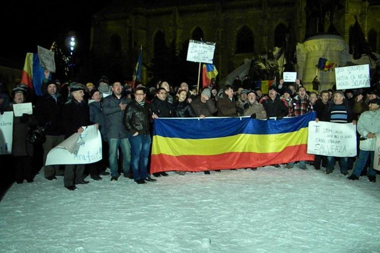 Ce revendicari au protestatarii din Piata Unirii: Demisia lui Basescu si anularea contractului de la Rosia Montana
