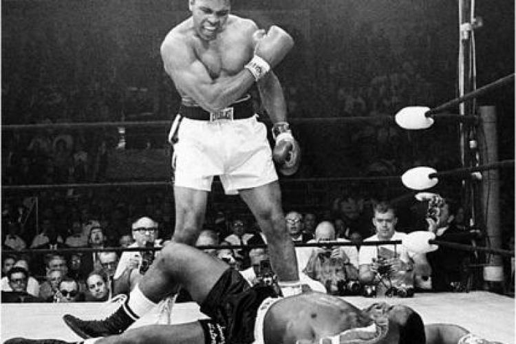 Muhammad Ali isi serbeaza ziua de nastere, va implini 70 de ani VIDEO
