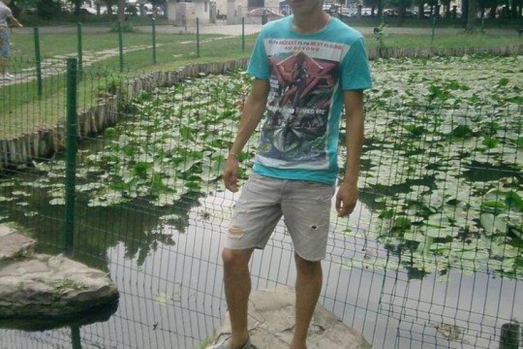 Tanarul mort in accidentul de la Iclod, plans pe Facebook de prieteni si fostii colegi