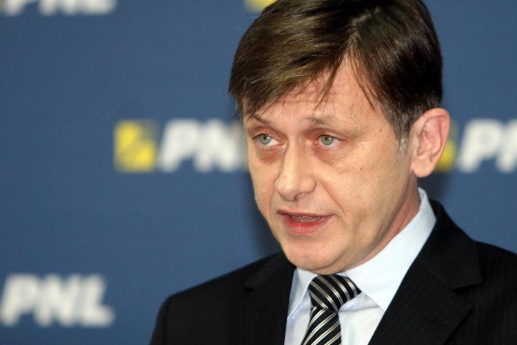 Crin Antonescu propune demisia in masa a parlamentarilor USL