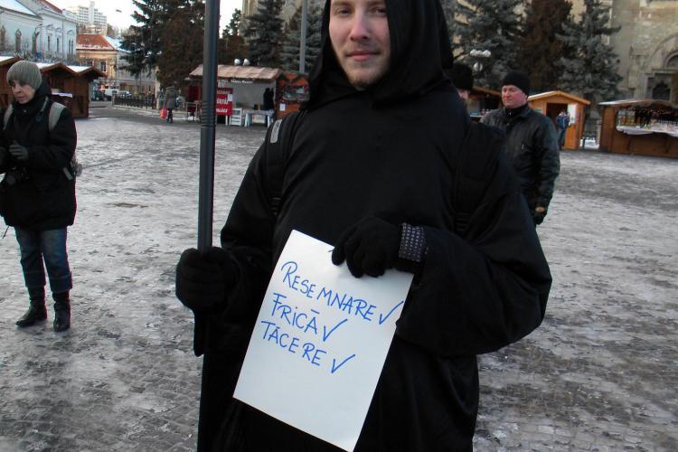 "Calaul lui Basescu si a sistemului corupt isi asteapta ""victimele"" in Piata Unirii VIDEO si FOTO"