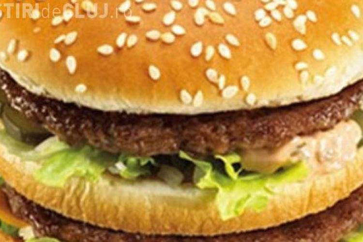 """McDonald's foloseste hidrat de amoniu pentru a """"spala"""" carnea de vita! Vezi dovada VIDEO a lui Jamie Oliver"""
