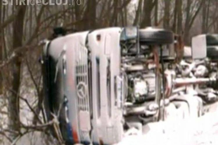O cisterna s-a rasturnat la Catcau! Soferul a murit. Drumul national este blocat intre Baia Mare si Cluj