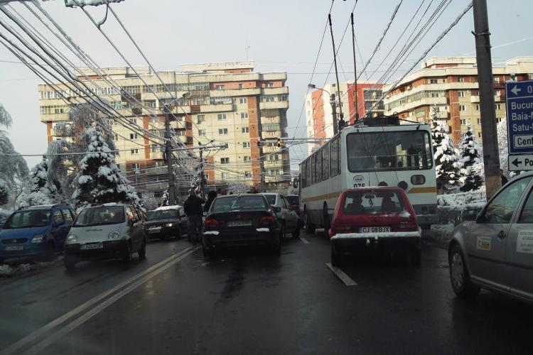 Accident pe strada Campului, din cartierul Manastur! Patru masini s-au ciocnit