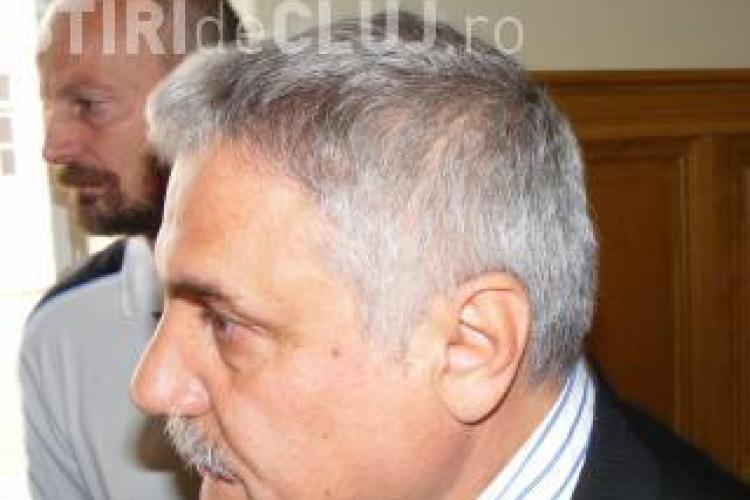 Directorul de la Grupul Scolar Napoca, acuzat de spaga, cere sa ii fie stramutat procesul