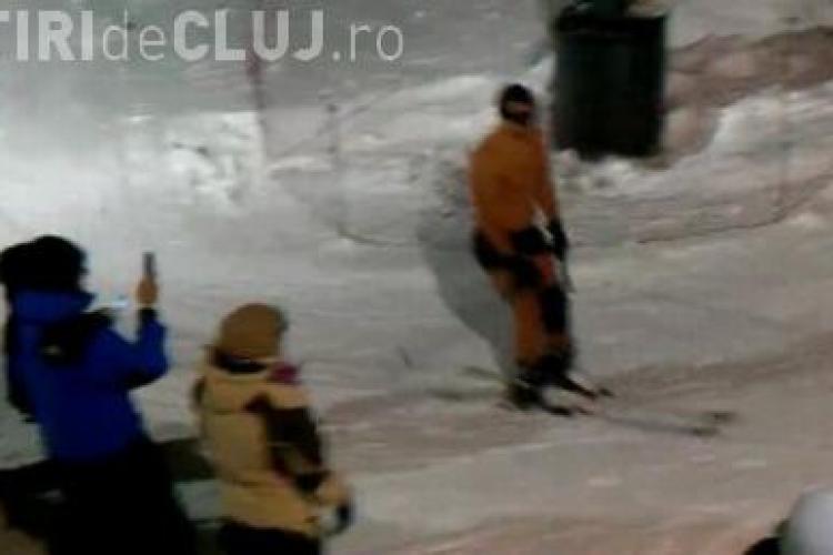 Cocalar pe partie! Teofil schiaza in boxeri la Predeal VIDEO