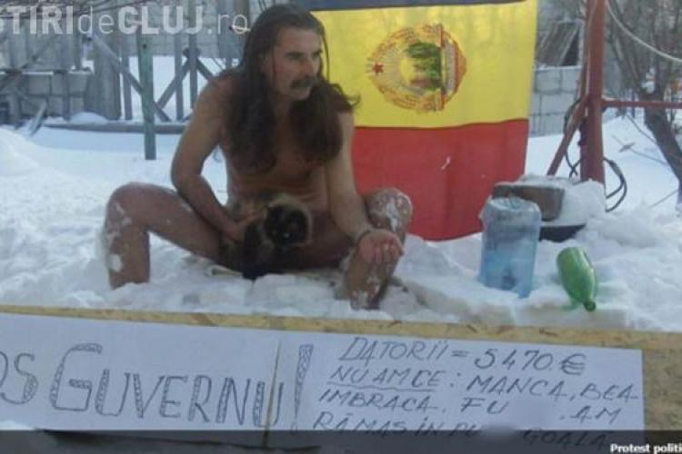 Protestatar in pielea goala in zapada! VIRAL pe Facebook