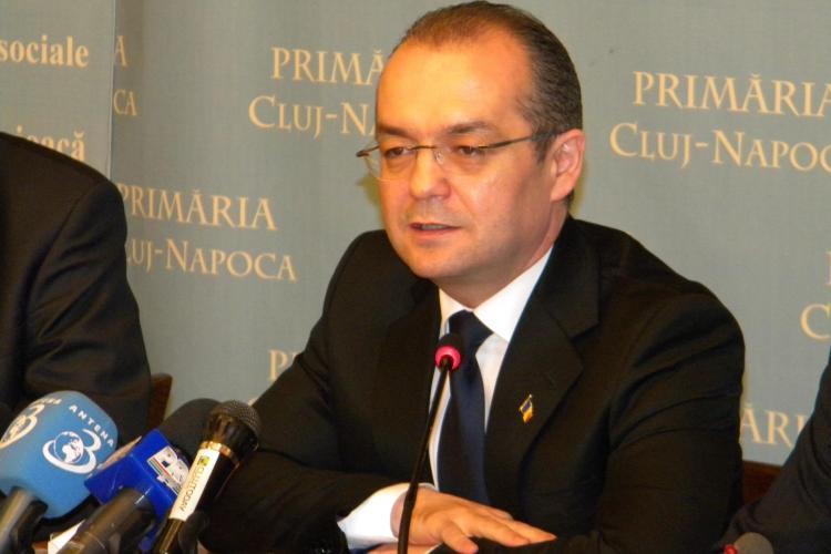 Emil Boc a venit la Cluj-Napoca! UPDATE: Premierul a plecat la Rachitele, la parastasul tatalui sau
