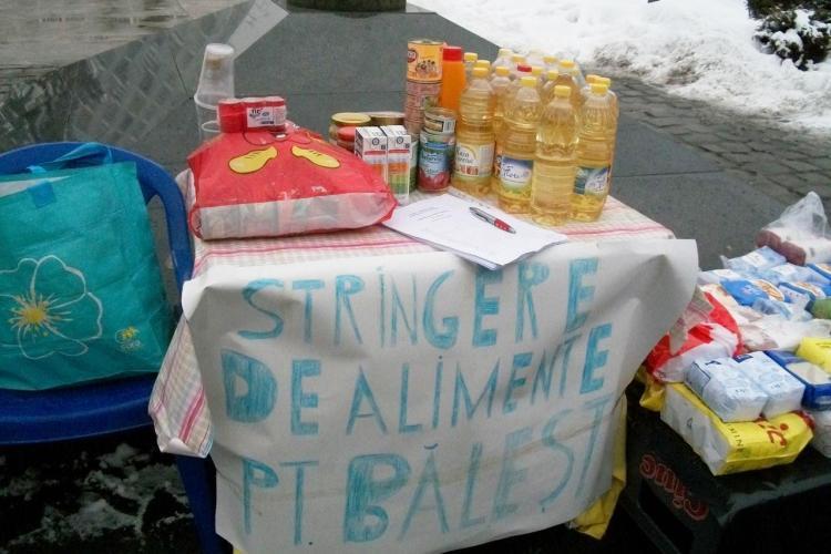 In Piata Mihai Viteazu se strang alimente pentru sinistrati. Mai puteti dona pana la ora 18:00! VIDEO