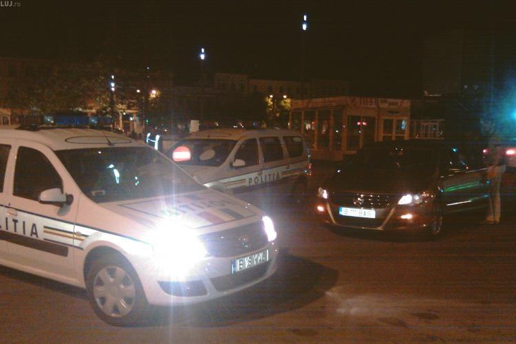 TIFF Cluj  - Joi seara au fost facute ultimele pregatiri pentru marea lansare. Circulatia din Piata Unirii a fost oprita si a fost testat ecranul - VIDEO