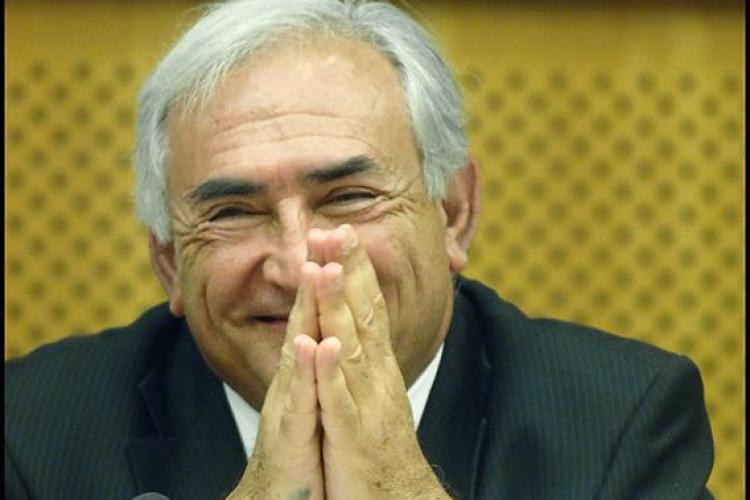 Directorul FMI sustine ca s-a opus scaderii salariilor cu 25%. Decizia a fost a Guvernului
