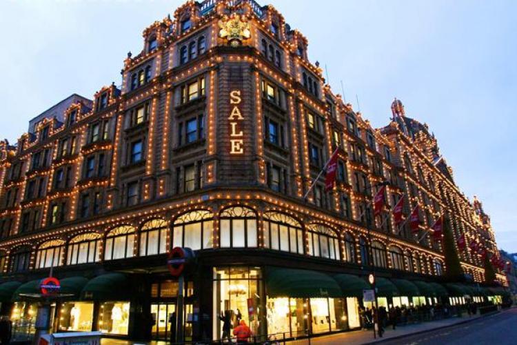 Magazin Harrods din Londra, vandut pentru suma de 1,5 miliarde de lire