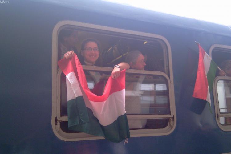 Trenul Nostalgia, cu 1000 de cetateni maghiari, a oprit in Gara Cluj cu destinatia Sumuleu Ciuc - Galerie FOTO si VIDEO