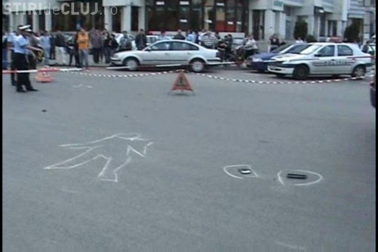 """VIDEO EXCLUSIV - Accident grav langa Biblioteca """"Octavian Goga"""" din Cluj-Napoca.  Doua fetite au fost spulberate pe trecerea de pietoni de un BMW"""