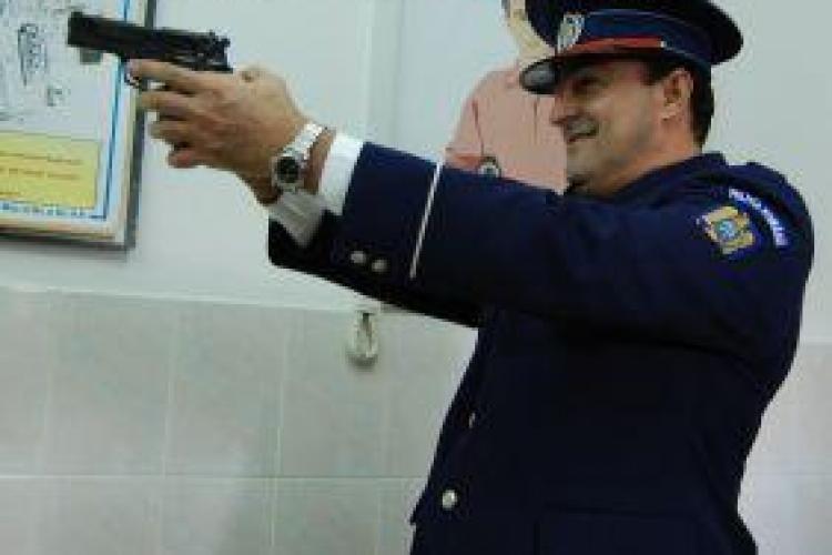 """Apostu asculta de ordinele lui Emil Boc si da un exemplu. 279 de angajati din primaria Cluj-Napoca """"executati"""" dintr-un foc"""