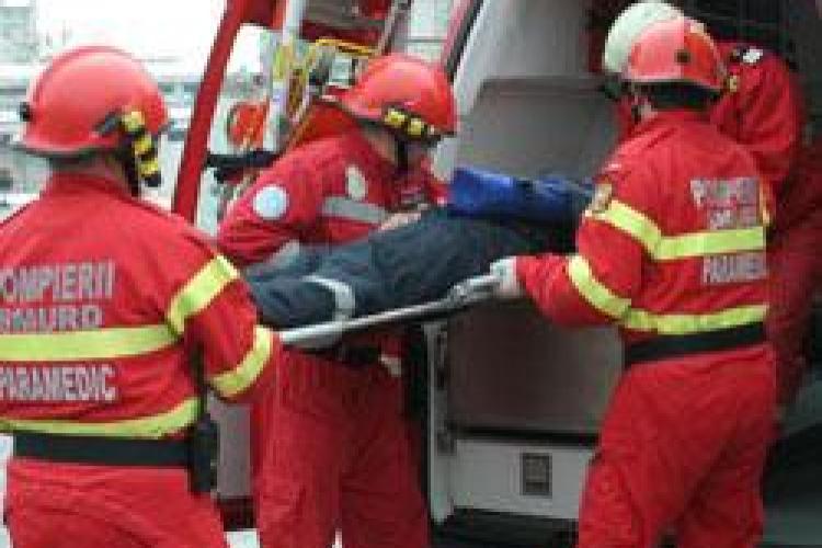 Accident grav pe strada Garbau, cartierul Manastur. Un copil de cinci ani a fost grav ranit, dupa ce a fugit peste strada