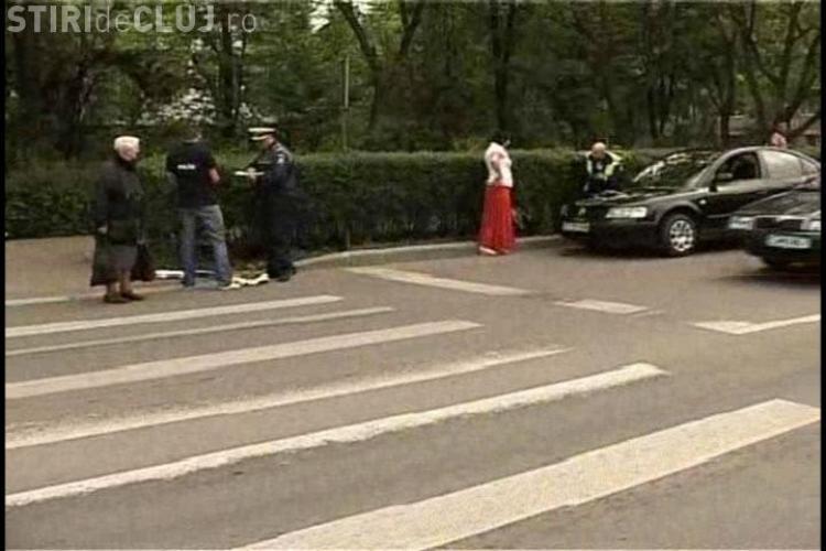Accident pe strada Unirii, din cartierul Gheorgheni. O educatoare de la gradinita din zona a fost lovita pe trecerea de pietoni- VIDEO