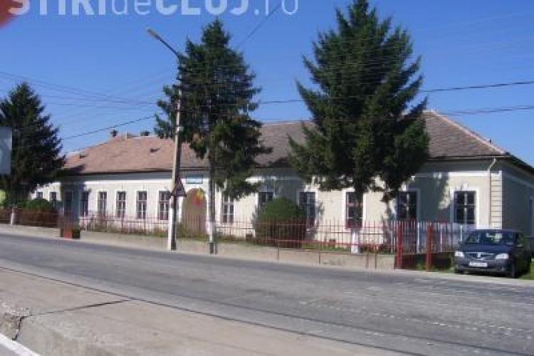 CRIZA: Primarul din comuna Mihai Viteazu vrea sa mareasca salariile angajatilor cu 15%