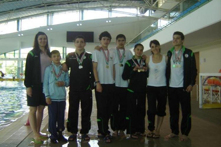 36 de medalii dintre care 20 de aur pentru sportivii clujeni la Campionatul National de Inot pentru Persoane cu Dizabilitati din Ungaria